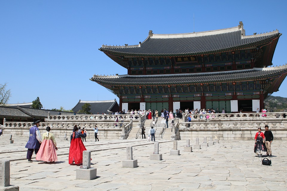 4 Days Korea Itinerary: Top Things to Do, Best Places to Stay & More!
