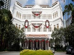 Celebrate the Holiday Season at Raffles Singapore