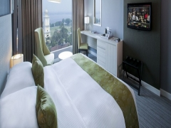 Christmas Day Room Package for 2 Nights at Thistle Johor Bahru