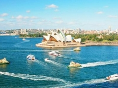 Sydney: $698 per pax for 5D3N DeVere Hotel Stay with Qantas Airways Flight & Guided Tour