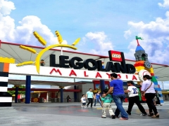 10% Off to Puteri Harbour Park Tickets when Presenting Legoland Annual Pass Tickets