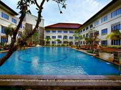 Bintan: 2D1N stay at Aston Tanjung Pinang Hotel w/ Breakfast, Ferry, City tour, massage & More
