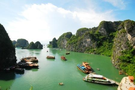 Hanoi: $185/pax for 3D2N Golden Lake View Hotel Stay with Vietnam Airlines Flight & Airport Transfer