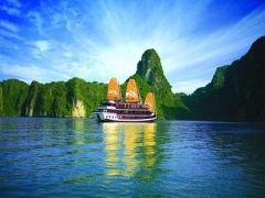 5D4N Hotel Stay w/ Hanoi & Halong Bay Luxury Tour, Return Flight via Singapore Airlines & More