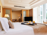 Enjoy a Fun Family Room at SGD348 in The Fullerton Hotel Singapore with HSBC
