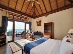Exclusive for OCBC Cardholders | 5% Off Room Rate in Olhuveli Beach Resort & Spa Maldives