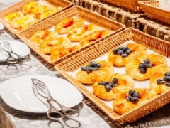 Enjoy a Hearty Staycation with Buffet Breakfast from SGD198 per Night in Amara Singapore
