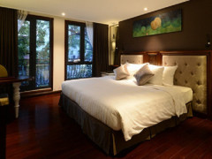 10% Discount on Room Rate and More with Visa in The Chi Boutique Hotel