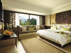Stay for Less - Deluxe Seafacing Room in Shangri-La Golden Sands Resort Penang