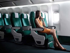 Enjoy Special Economy Class and Premium Economy Class Airfares with Cathay Pacific and HSBC
