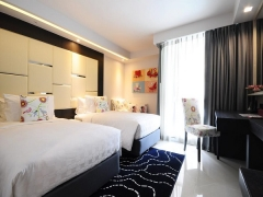 Best Friends Forever Getaway in Hotel Clover with DBS Bank Card