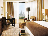 Advance Purchase Deal with 20% Savings in Four Seasons Hotel Singapore