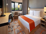 Stay Longer, Pay Less in Holiday Inn Singapore Atrium