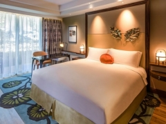 Magnifique Family with Sofitel Singapore Sentosa Resort & Spa