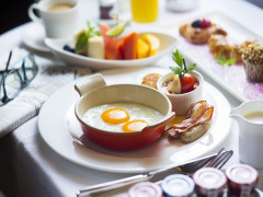 Bed & Breakfast Offer from SGD550 at The Ritz-Carlton Millenia Singapore