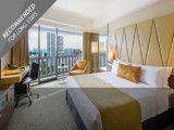 Stay Longer & Save Up to 18% in Premier Rooms at Marina Mandarin
