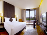 Festive Superior Room and Spa Retreat in Parkroyal on Beach Road Singapore