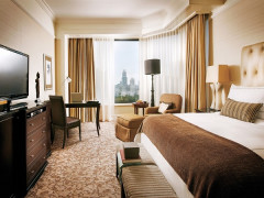 Stay Longer - Third Night Free in Four Seasons Hotel Singapore