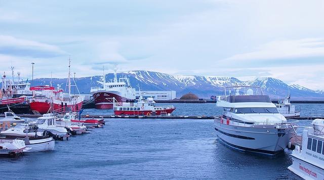 5D4N Auroras, Volcanoes & Glacier Lagoon