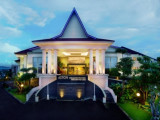 ASTON RESORT : 2D1N Stay in Superior Room with Breakfast, Return Ferry Transfer, Transportation