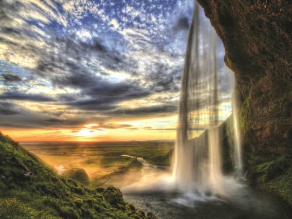 10D7N ICELAND - LAND OF FIRE AND ICE (APR - AUG)
