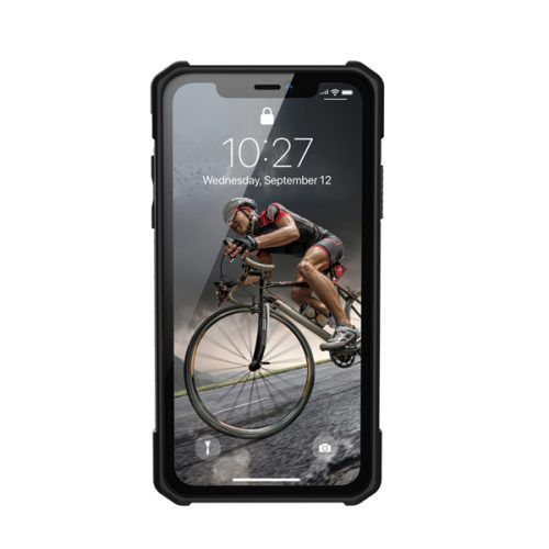 Op lung iPhone XR UAG Monarch Series Carbon Fiber 05 bengovn