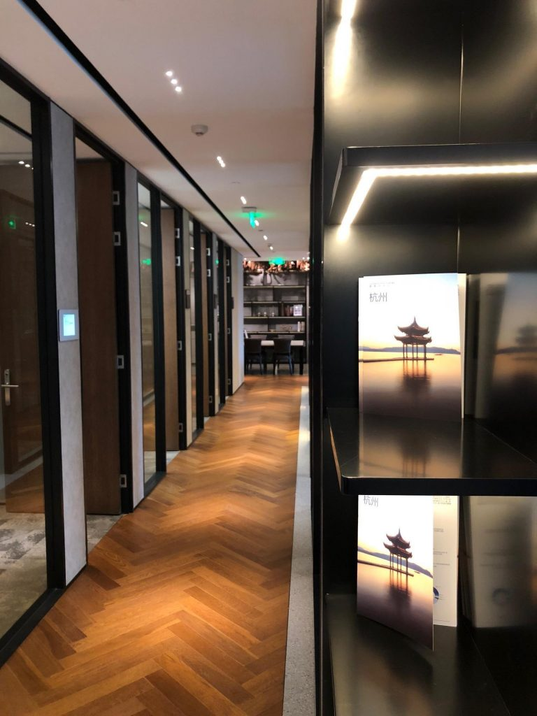 TEC-Hangzhou-Kerry-Centre-Serviced-Office-Corridor
