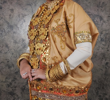Baju Adat Makassar | Diamond Wedding Service