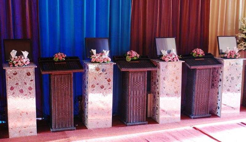Stand Elektronik/Laptop | Diamond Wedding Service - Sewa menyewa jadi lebih mudah di Spotsewa