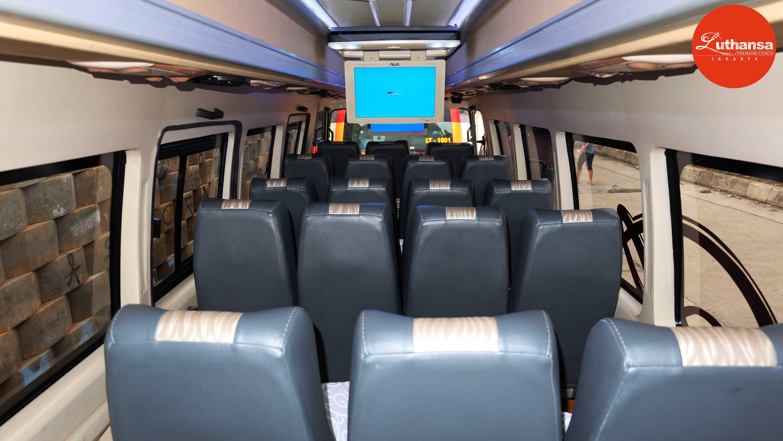 Isuzu Elf 21 Seats | Sky Transport
