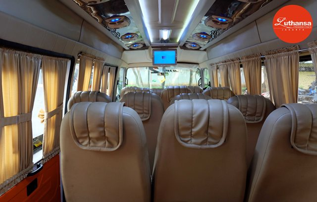 Isuzu Elf 19 Seats | Sky Transport