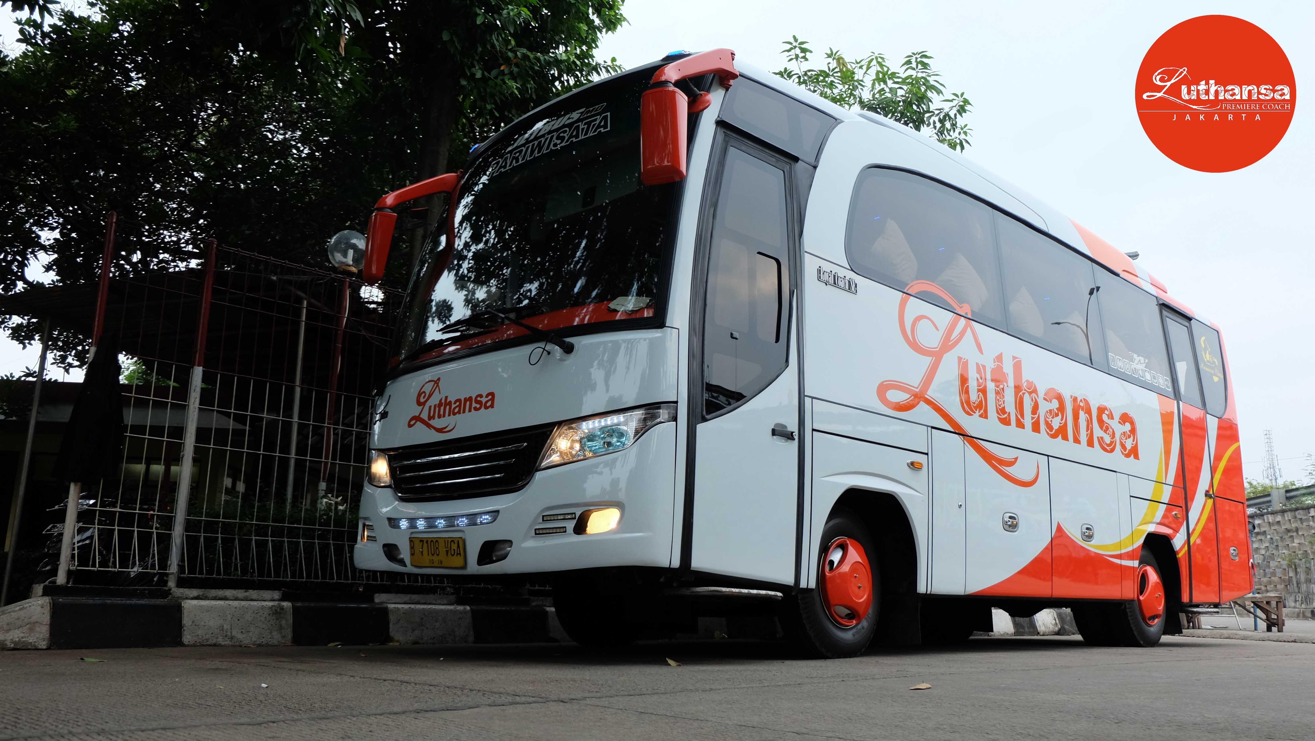Medium Bus 31-33 Seats | Sky Transport - Sewa menyewa jadi lebih mudah di Spotsewa