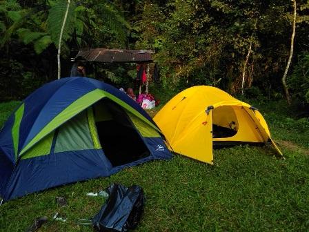 Sewa Tenda Dome LA Tracking 5-6 Orang di toko HR Adventure daerah Tangerang Selatan, Banten - Sewa menyewa jadi lebih mudah di Spotsewa