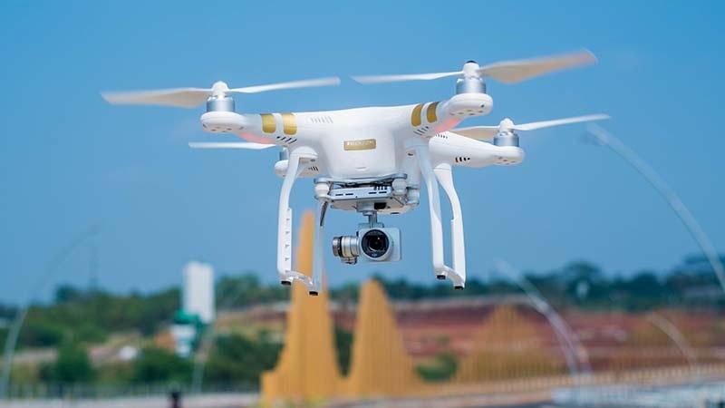 Drones DJI Phantom 3 Professional | Kamera Udara - Sewa menyewa jadi lebih mudah di Spotsewa
