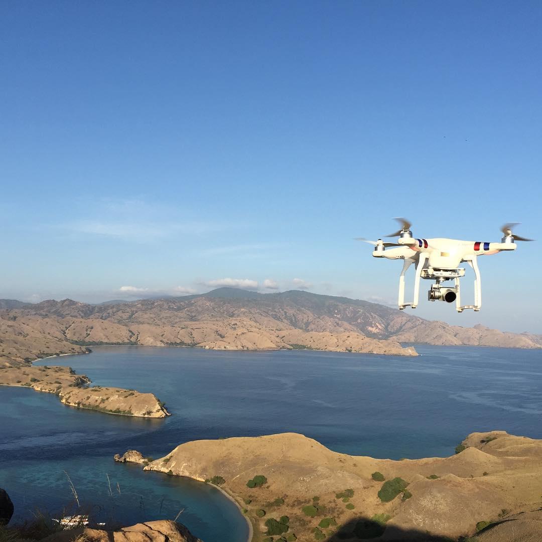 Sewa Drones DJI Phantom 3 Professional di toko Kamera Udara daerah Jakarta Selatan, DKI Jakarta - Sewa menyewa jadi lebih mudah di Spotsewa