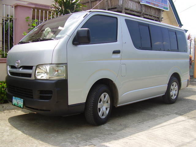 Toyota HiAce Commuter | Mahendra Rent Car