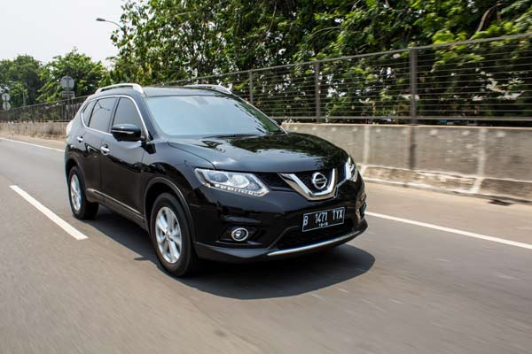Nissan X-Trail | Jaya Motor Rent A Car