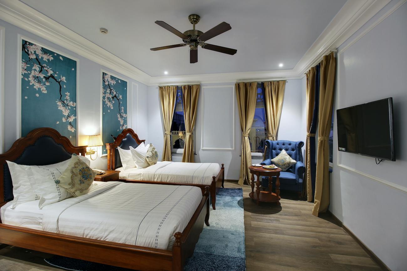 Deluxe Twin Bed Suite