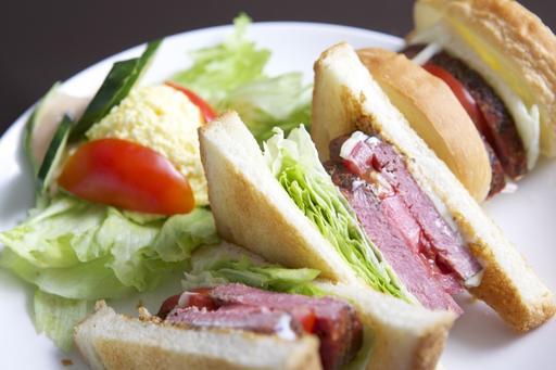 燻牛肉三明治
