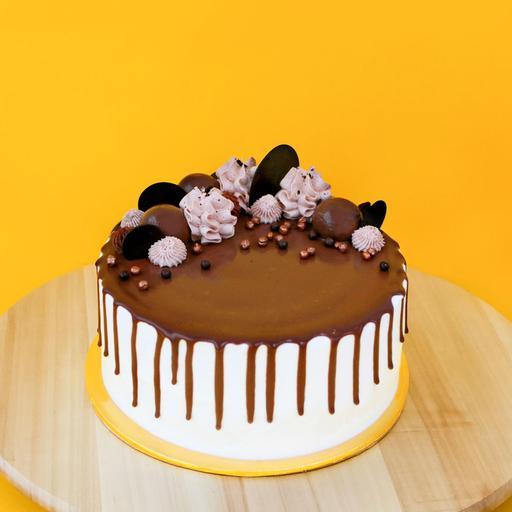7 Signature Cake