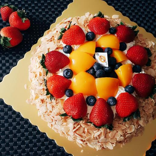 Almond Fresh Fruit Cake 杏仁鲜果生日蛋糕(Not recommended delivery)