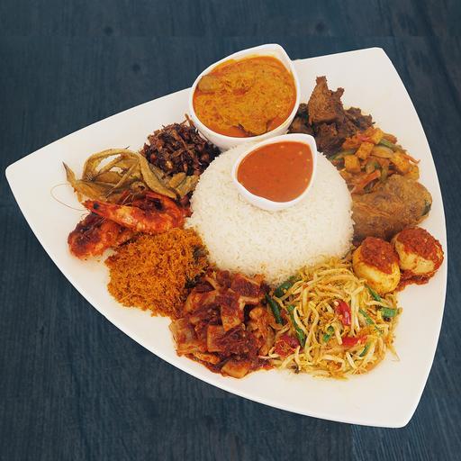 B2 Premium Ambeng (Beef Rendang & Chicken Lemak Chili Padi Set)