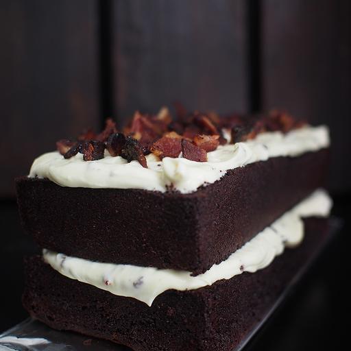 Bacon & Bourbon Cream Cheese Cake (1kg)