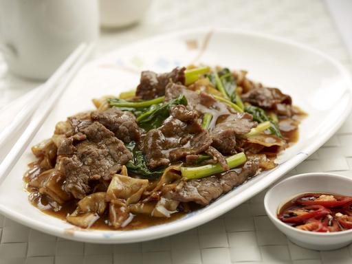 Beef Hor Fun / Bee Hoon (牛肉河粉/米粉)