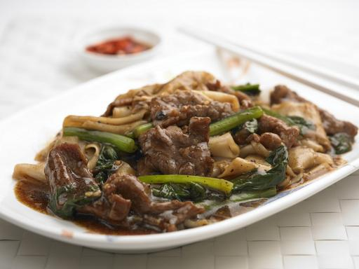 Black Bean Sauce Beef Hor Fun / Bee Hoon (牛肉鼓汁河粉/米粉)