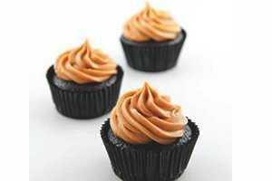 Sally - Peanut Butter & Dark Chocolate Cupcakes (6 or more)