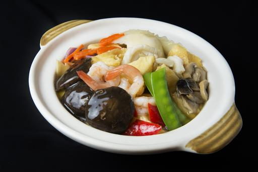 Braised Beancurd with Seafood in Claypot 砂煲海鲜豆腐