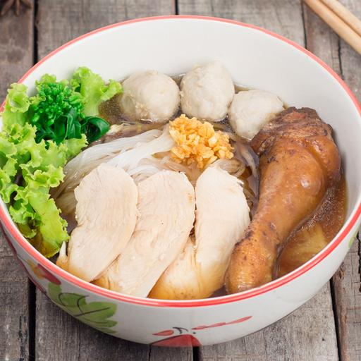 Braised Chicken Noodles (Soup)