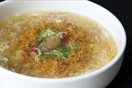 Braised Shark's Fin with Fresh Crab Meat & Dry Scallop