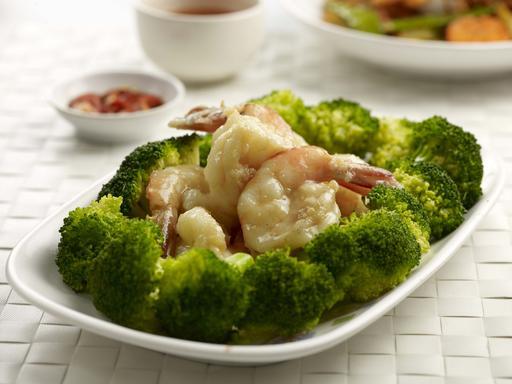 Broccoli with Prawns (西兰花炒虾球)